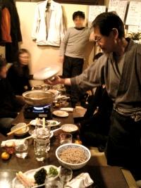 井越さん仕切るカレー蕎麦鍋