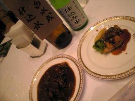 ビーフストロガノフと比内地鶏のスパイス風味焼き