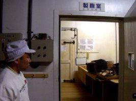 岩崎さんと麹室